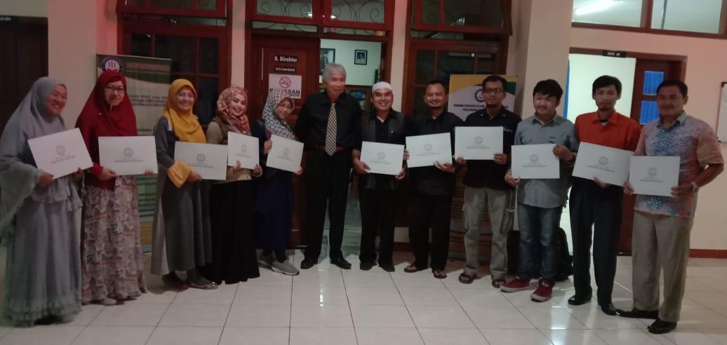 Penerimaan Ijazah Prodi Manajemen Pendidikan Islam Program pascasarjana Wisuda angkatan tahun XXVI